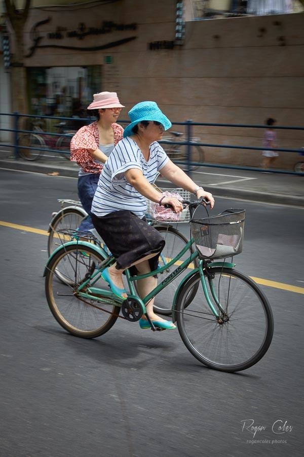 Commuting in Shanghai #1625